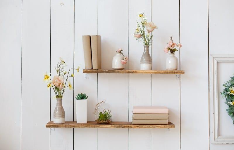 plantas artificiais para sala com estantes de parede