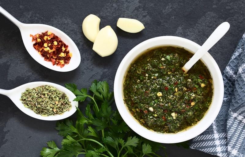 como fazer churrasco molho chimichurri