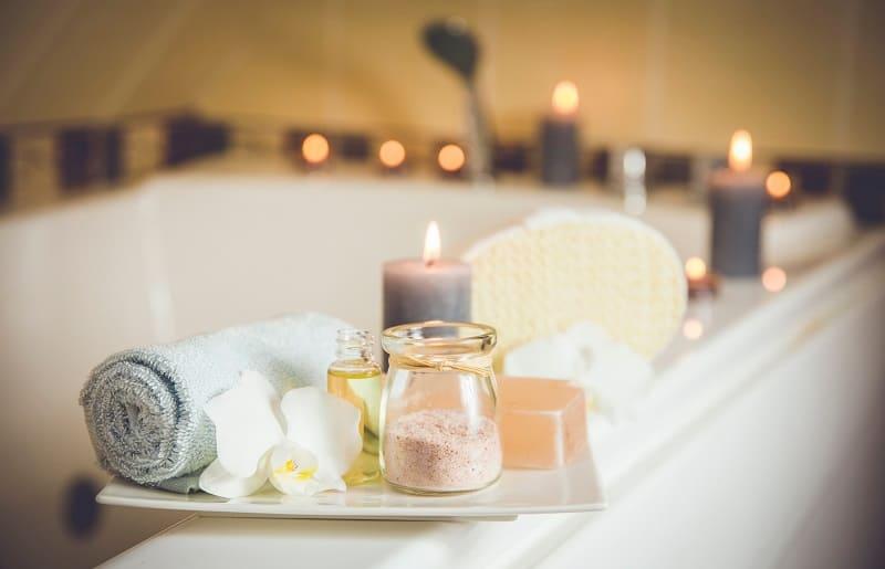 iluminação intimista oara spa em casa com velas